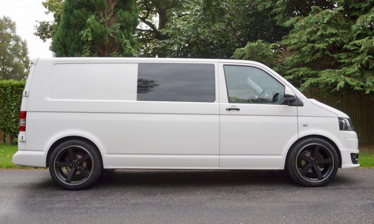vw transporter t5 combi lwb 102 dms cars. Black Bedroom Furniture Sets. Home Design Ideas