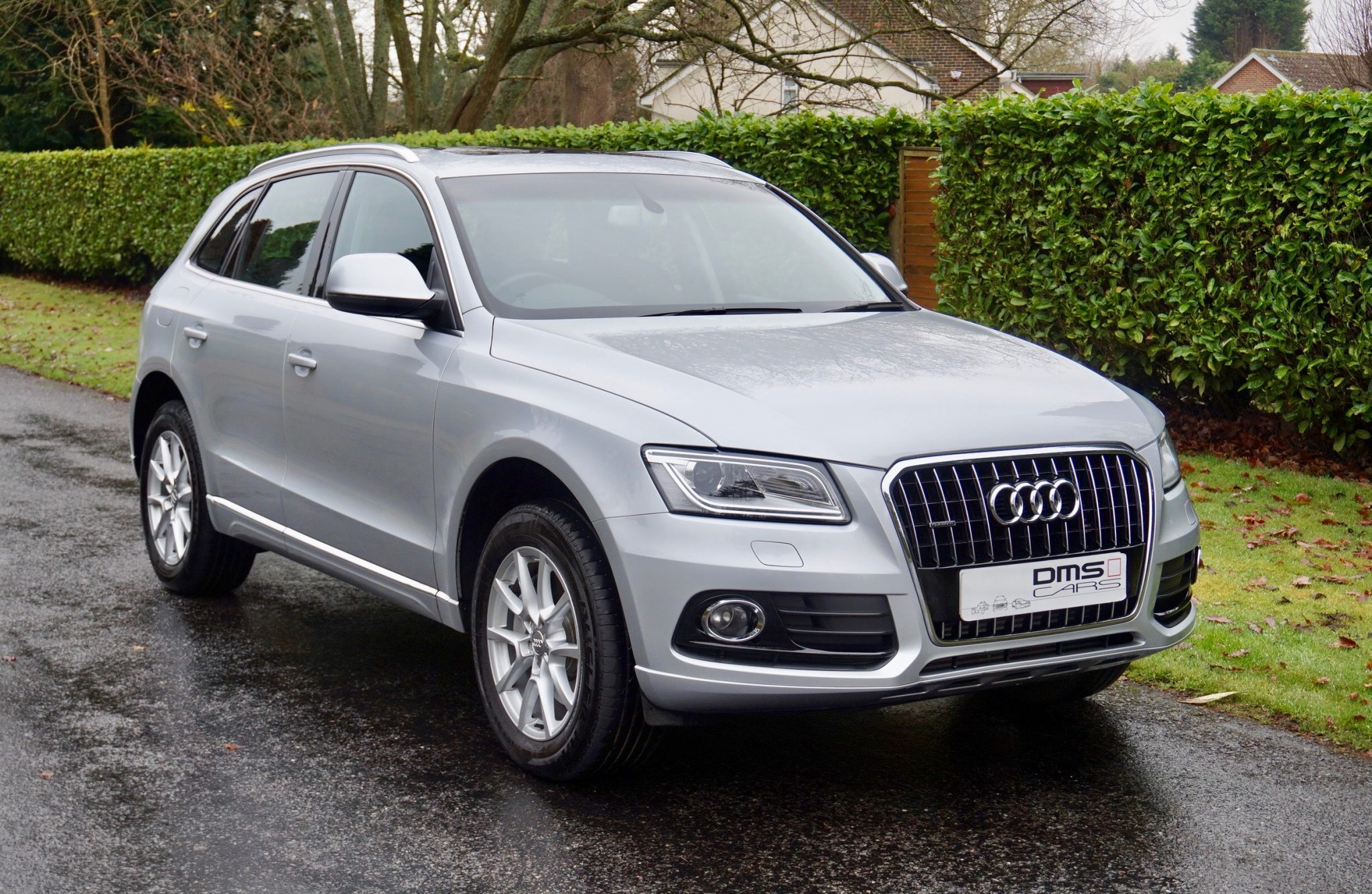 audi q5 3 0 tdi se quattro s tronic dms cars. Black Bedroom Furniture Sets. Home Design Ideas